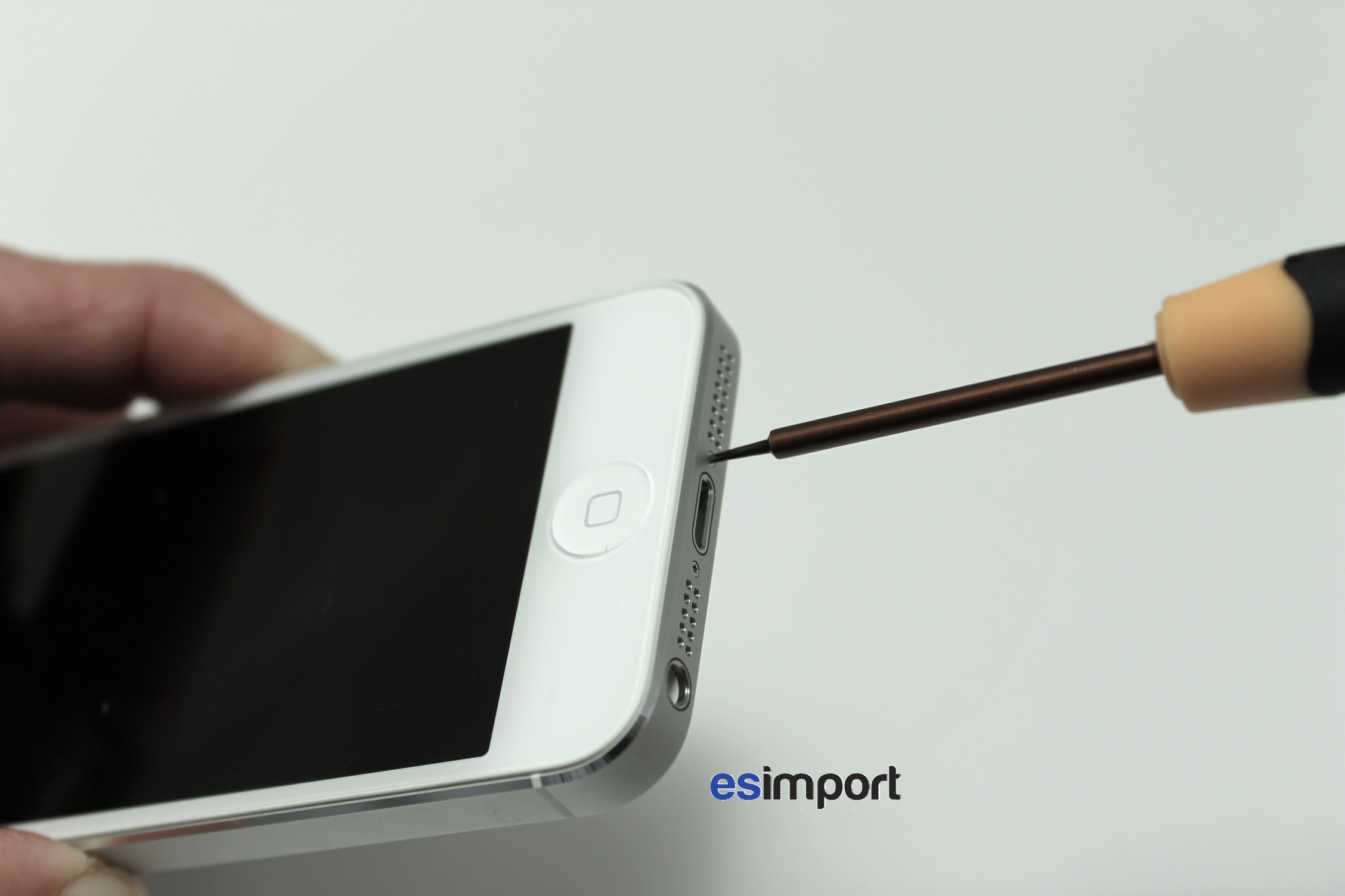 Pas-à-pas : démonter l'écran de l'iPhone 5   iGeneration
