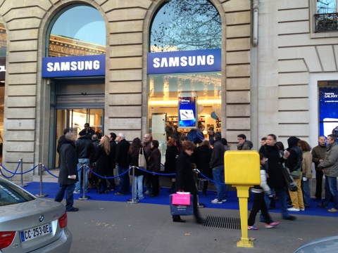 le samsung mobile store de paris est ouvert igeneration. Black Bedroom Furniture Sets. Home Design Ideas