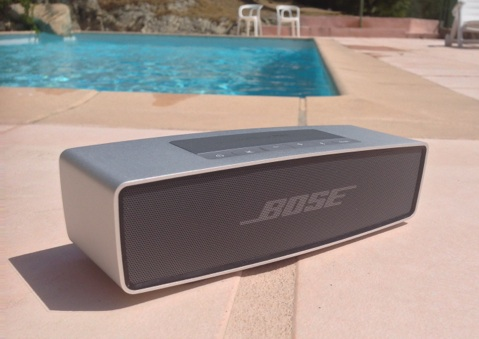 test de l enceinte bluetooth soundlink mini de bose igeneration. Black Bedroom Furniture Sets. Home Design Ideas