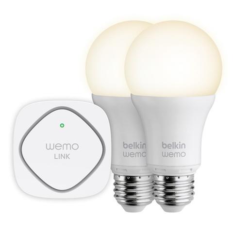 Les ampoules Belkin WeMo et le pont WeMo Link. Image Belkin.